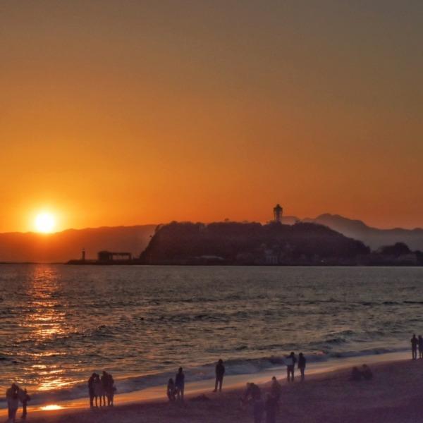 夕日と江の島