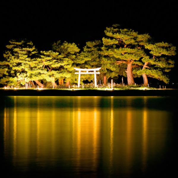 日没後に灯る嫁ヶ島