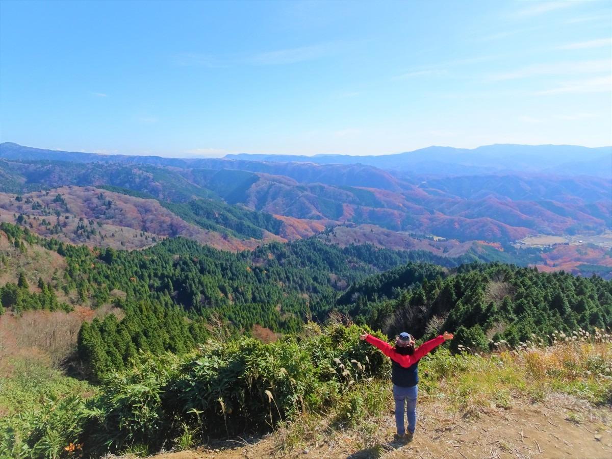 紅葉の中国山地を歩く。