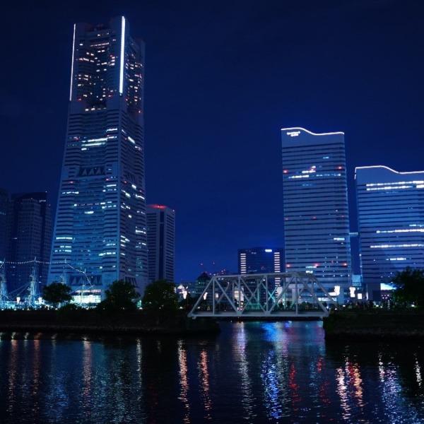 みなとみらい夜景2019✨/揺れる水面反射