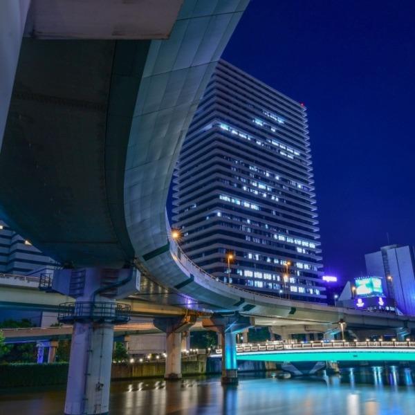 『都会の曲線美』