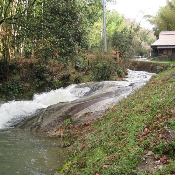 杉谷の里山・滑石の滝(滑石の渓流瀑)