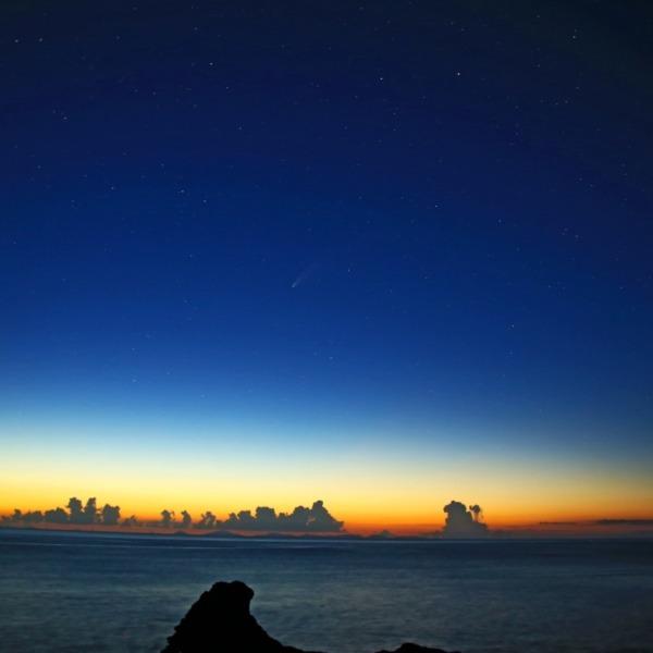 夕焼けとほうき星