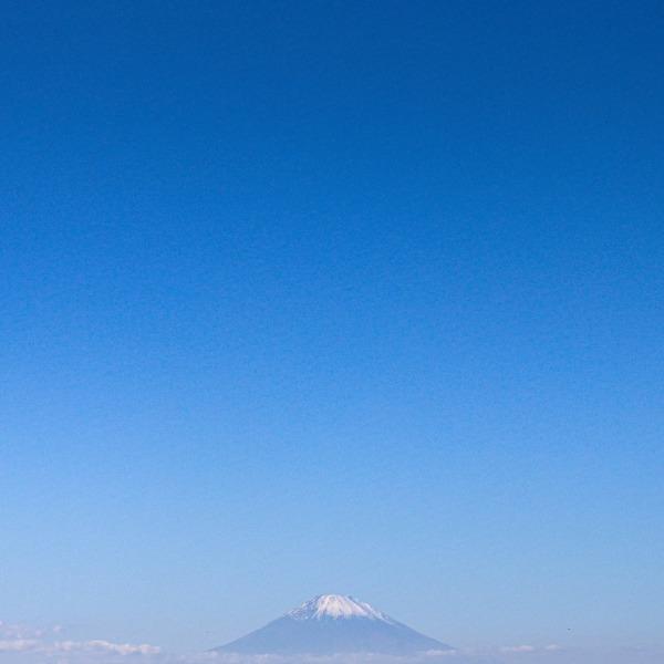 富士と青のグラデーション
