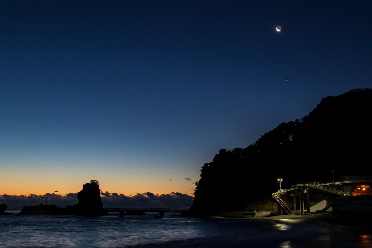 日の出前 波立海岸にて