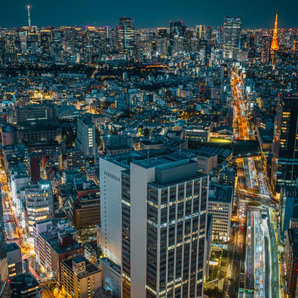 夜景 2本のタワー