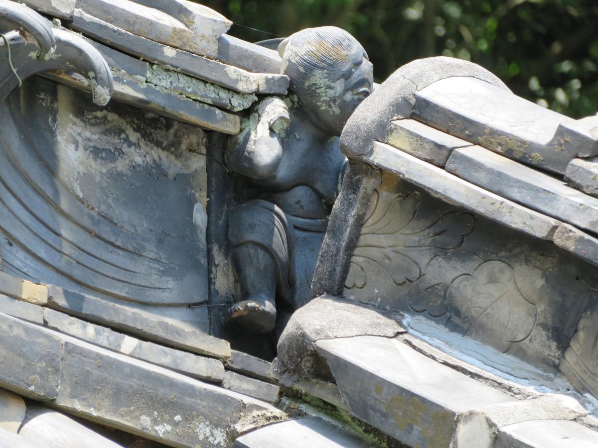 杉谷の里山・軍神社の鉞かついだ金太郎