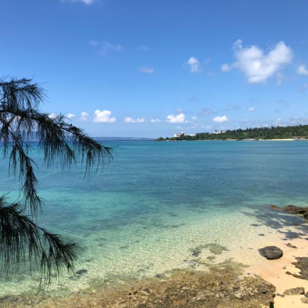 沖縄県恩納村瀬良垣(オンナソン・セラガキ)の海