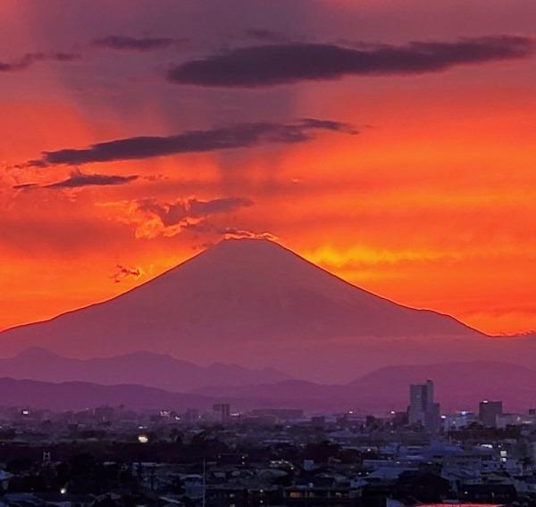 富士山のむこうへ