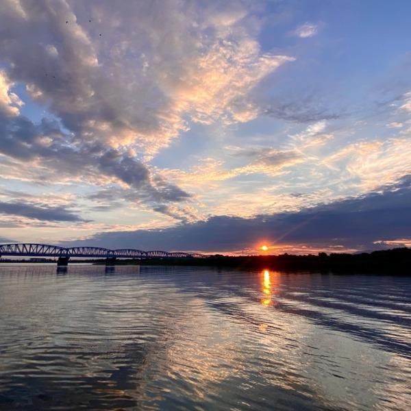 阿賀野川の朝日