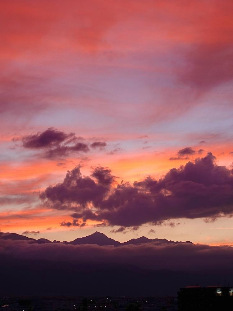 夕暮れどきの北アルプス南部