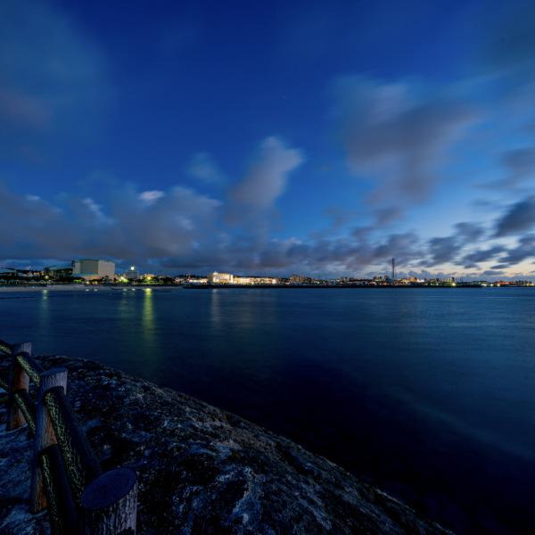 宜野湾の夜の海