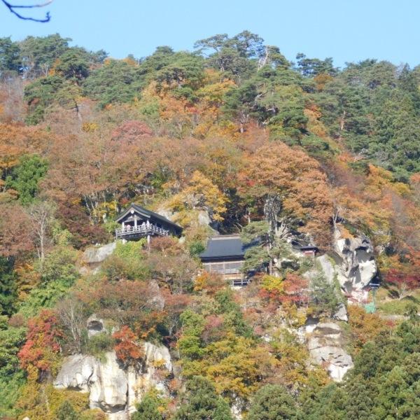 錦秋の山寺