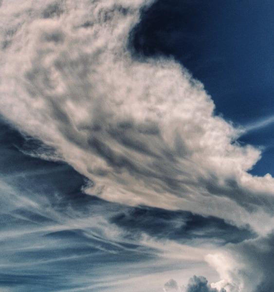 富士山より存在感のある雲