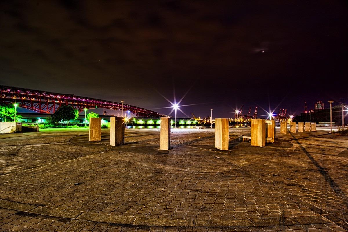 天保山の公園と南港大橋