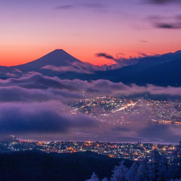 夜明けの富士遠望