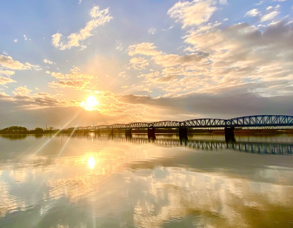 阿賀野川の朝日☀️