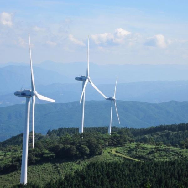 風の通り道  青山高原(三重県)