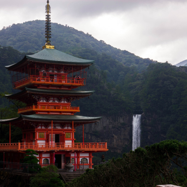 那智大滝と三重の塔