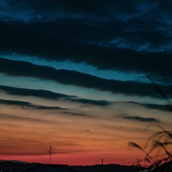 瑠璃色の夕暮れ