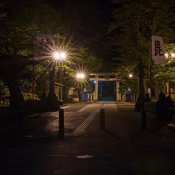 闇夜の参道