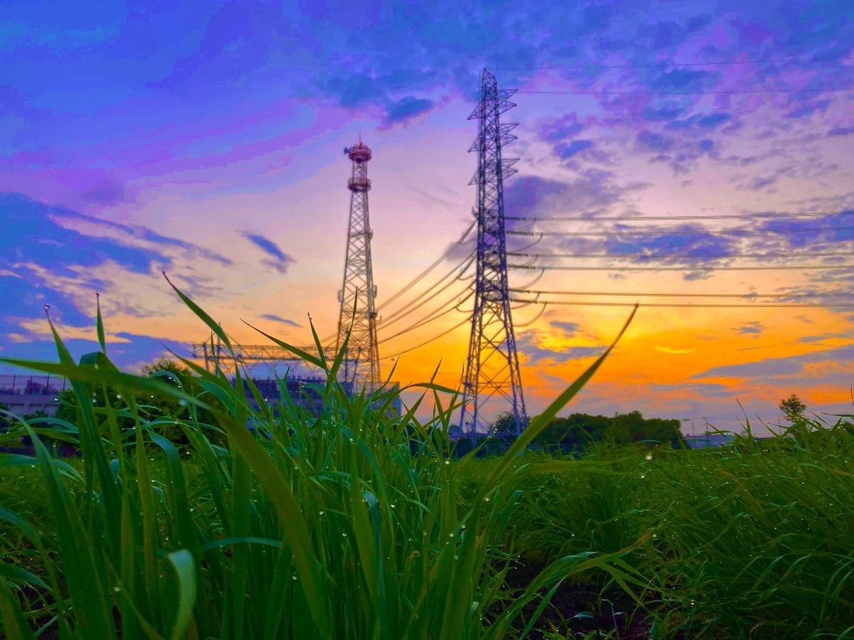 紫雲と鉄塔