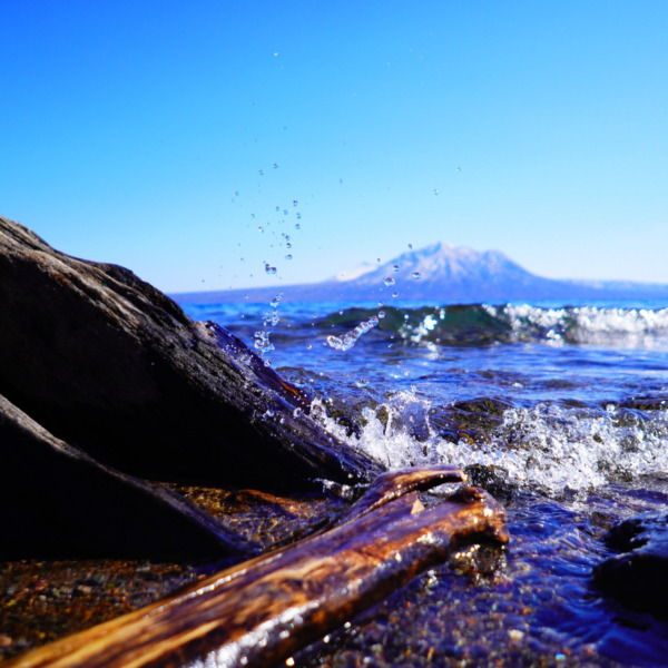 青い支笏湖