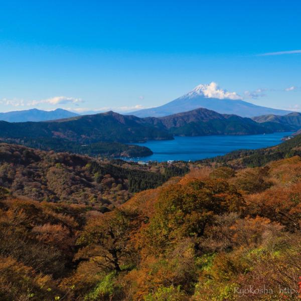 椿ラインからの芦ノ湖と富士山