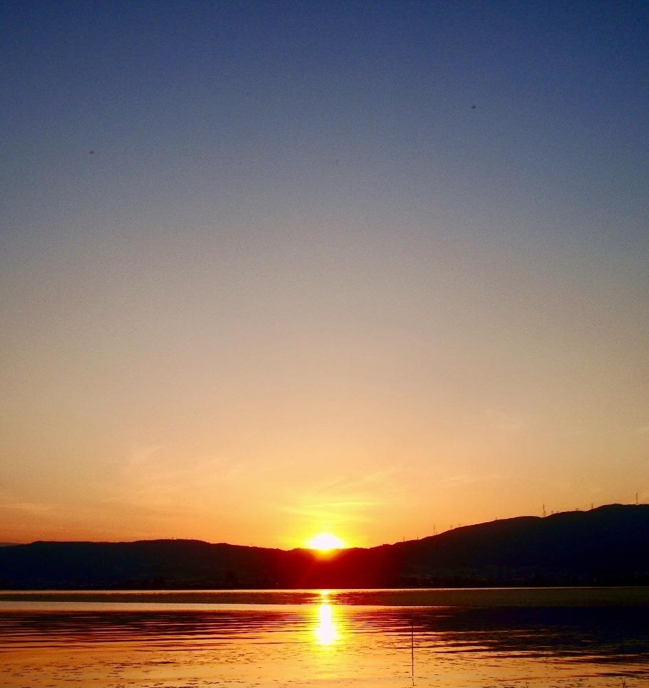 諏訪湖と夕陽