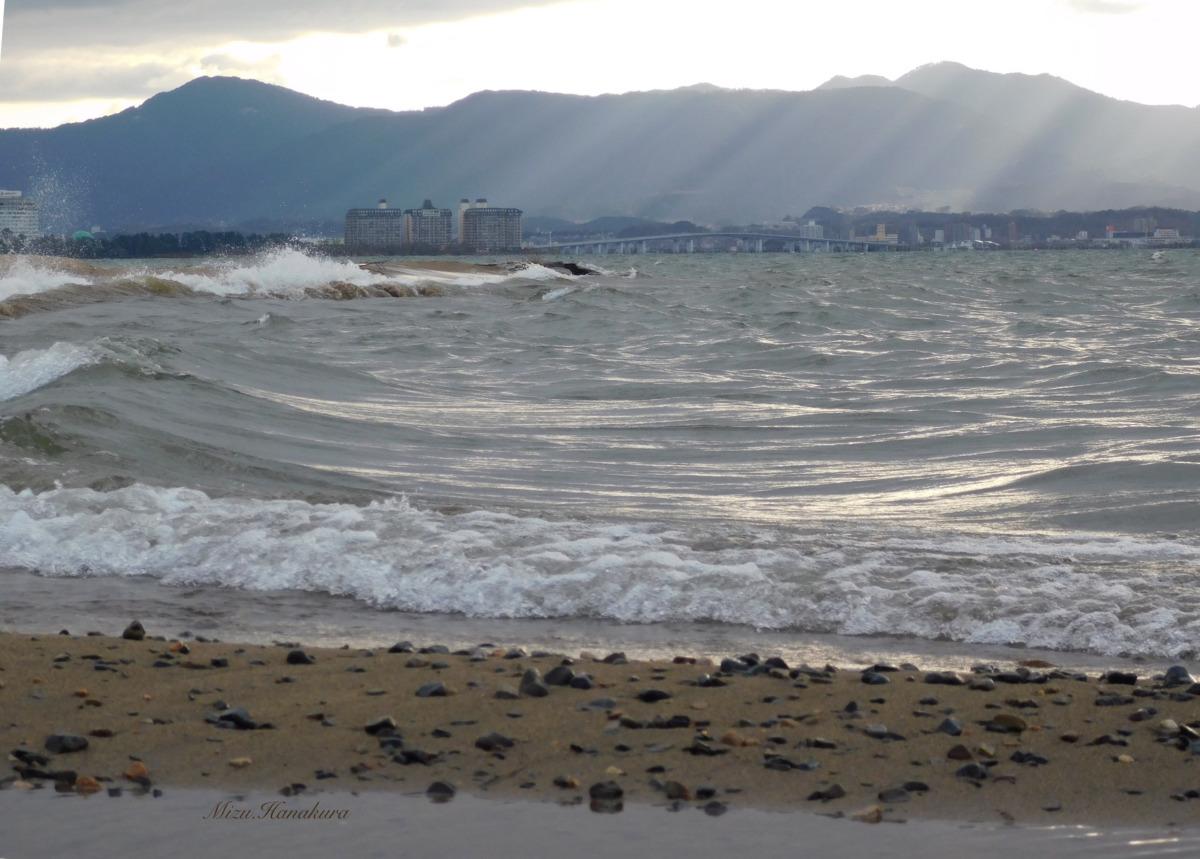 荒ぶる波の妙 in 琵琶湖