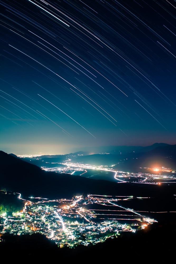 野沢温泉村に降り注ぐ星々の軌跡