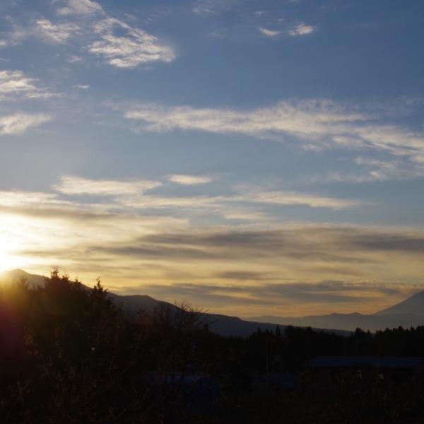 「日の出と富士山」