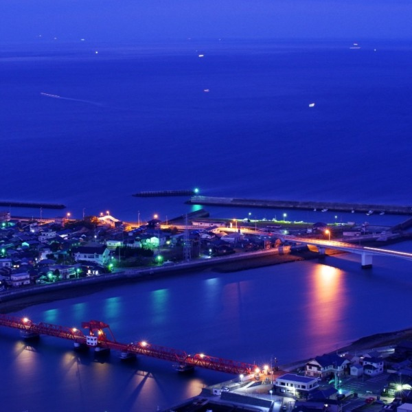 ―長浜大橋(通称:赤橋)―
