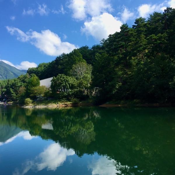 初秋の美鈴湖