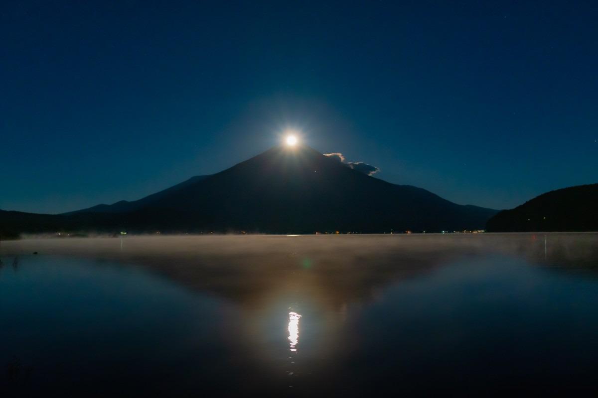 沈むパール富士(山中湖)
