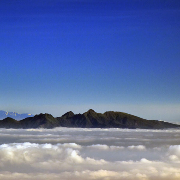 雲海に浮かぶ八ヶ岳連峰