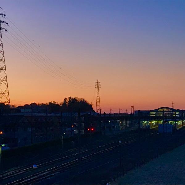 始発前の駅