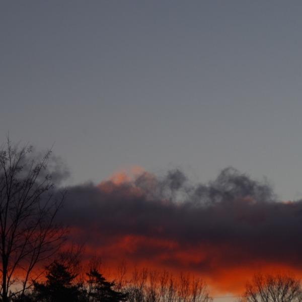 「朝焼け雲」