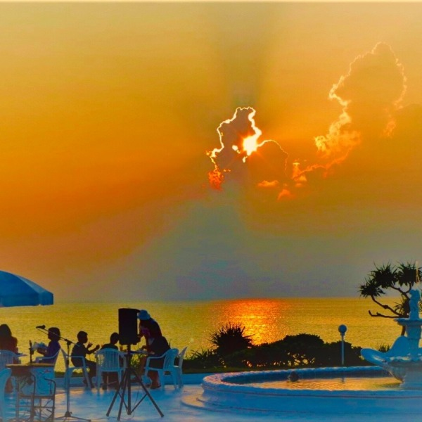 東シナ海に沈む太陽