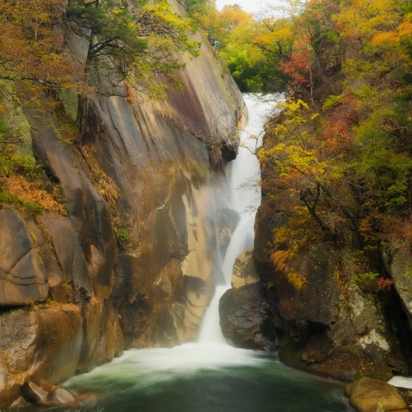 秋の仙娥滝