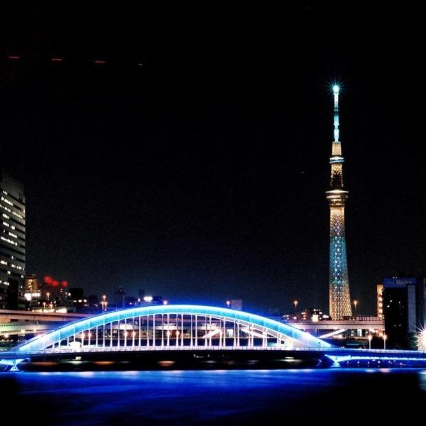 スカイツリーと永代橋 青のコラボ