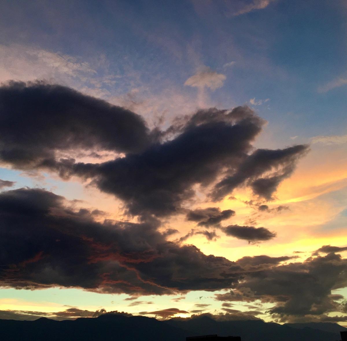 不気味な夕焼雲