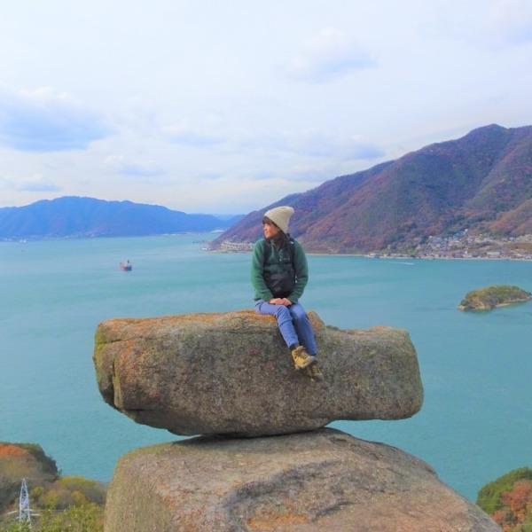 景色は最高。でも、滑る。広島 尾道の新名所、ゆるぎ岩。