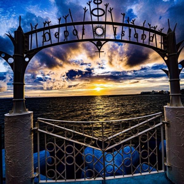 美浜アメリカンビレッジの夕陽(沖縄県北谷町)