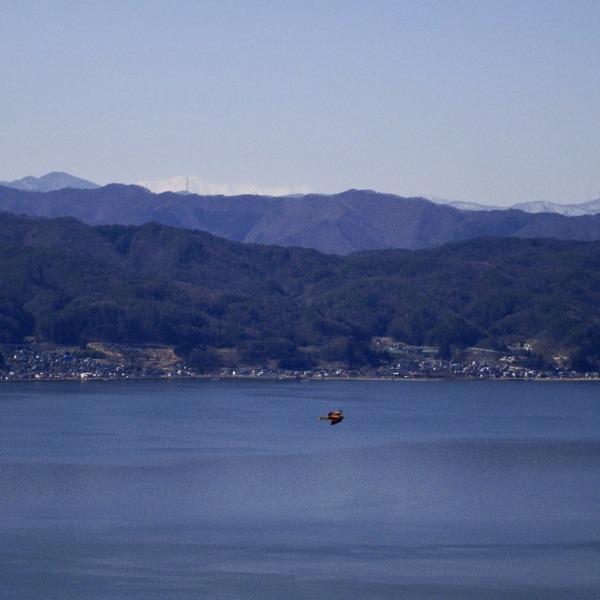 諏訪湖と(中央アルプス)御嶽山