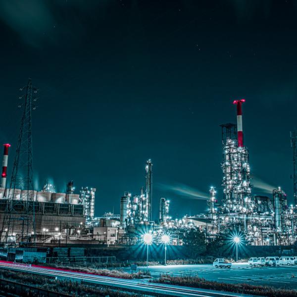 幻想的な工場夜景