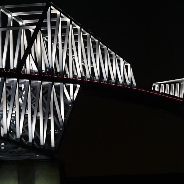 ゲートブリッジの灯り:平和とウィルス鎮静化への祈り