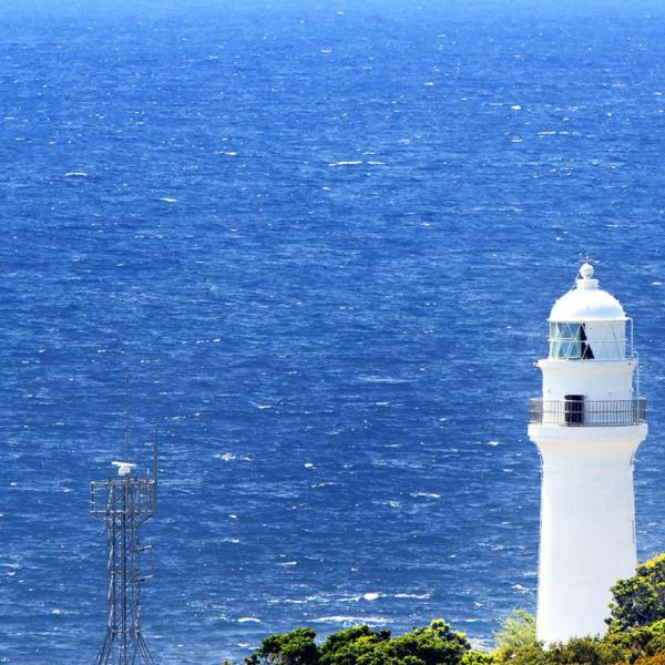 本州最南端で見守る潮岬灯台