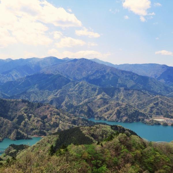 丹沢の山々と宮ヶ瀬湖