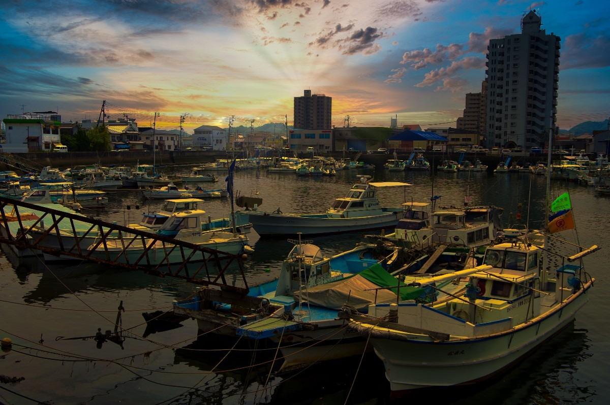 ―港と夕日―